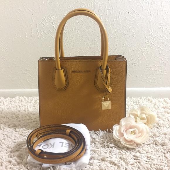 91f3293c0c3ae9 Michael Kors Bags | Sale Mercer Leather Accordion | Poshmark